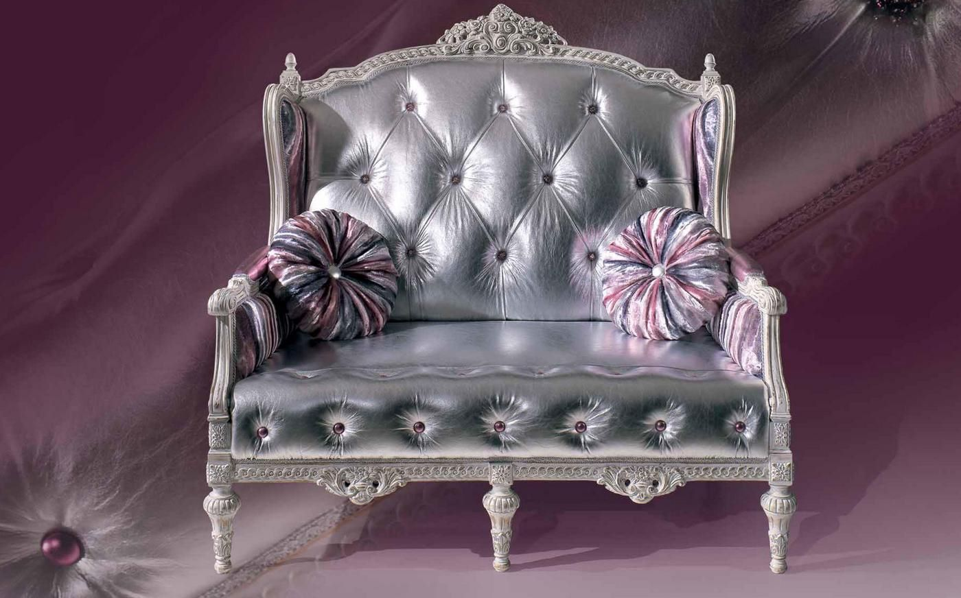 Прямой диван со спинкой