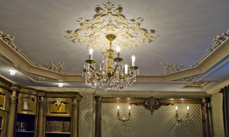 Потолки в классических интерьерах