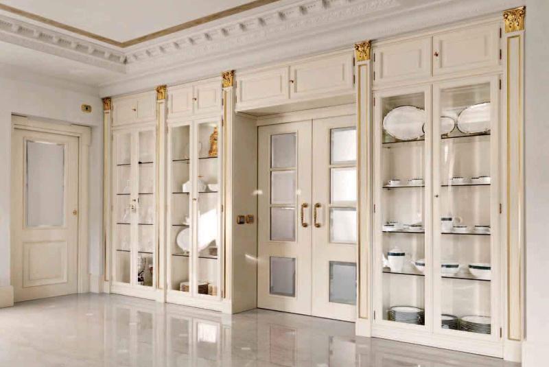 металлические двери с необычной отделкой